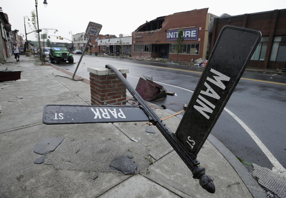 0602 Tornado Springfield Main St
